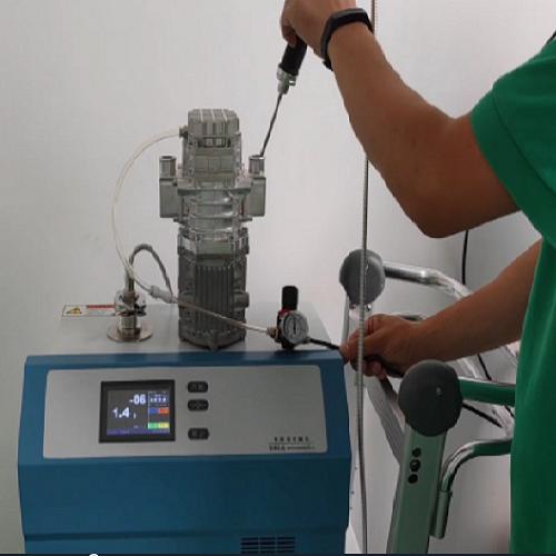 氢气循环泵氦质谱检漏
